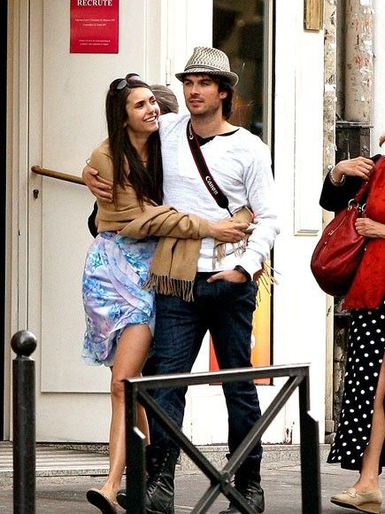 When does elena and damon start dating