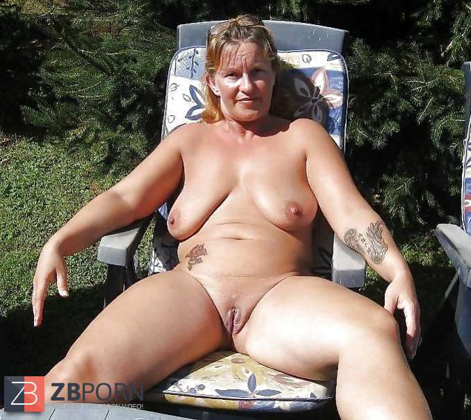 Mature family nudists