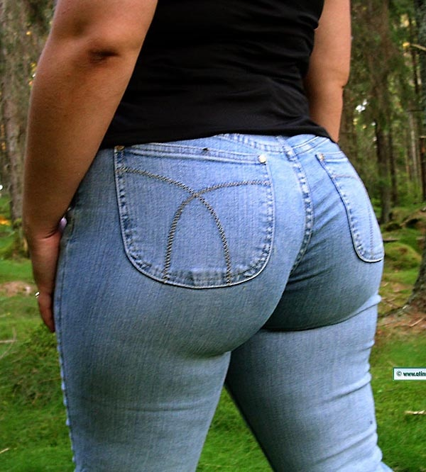 Girls with big asses in tight jeans