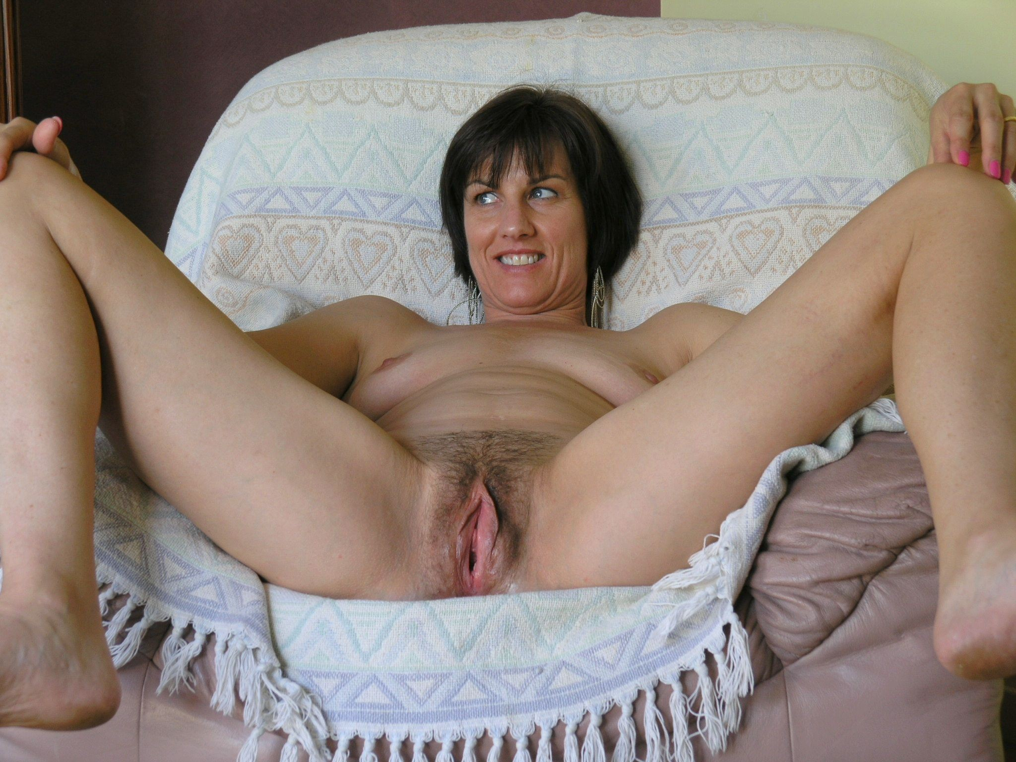 Nude housewife gallery