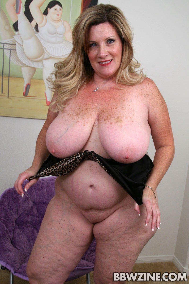 chubby naked woman in